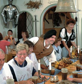 Gasthof Krone Füssen: bon restaurant médiéval à Fuessen (Neuschwanstein) 1