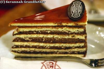 Dobos Torta ; célèbre gâteau chocolat caramel (Recette hongroise) 2