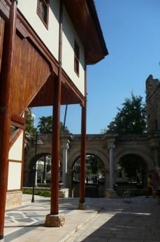 Antalya porte d'Hadrien et habitat typique