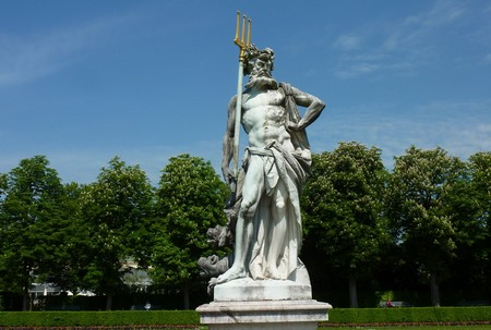 chateau Nymphenburg Munich Pluton trident