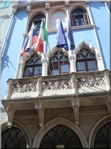 Piran facade et balcon