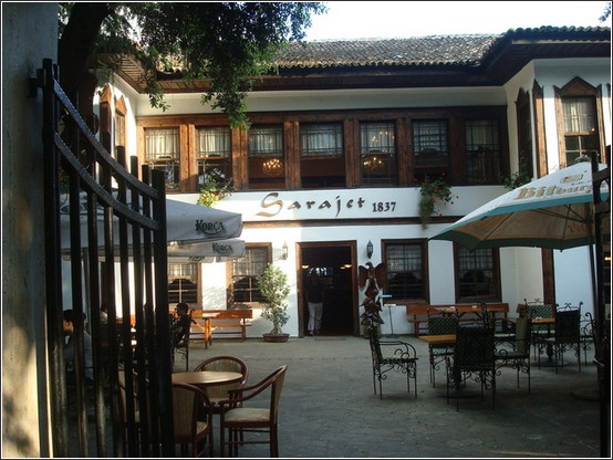 Sarajet restaurant tirana albanie Voyage de lItalie aux Balkans (Slovénie, Croatie, Serbie, Macédoine, Albanie)