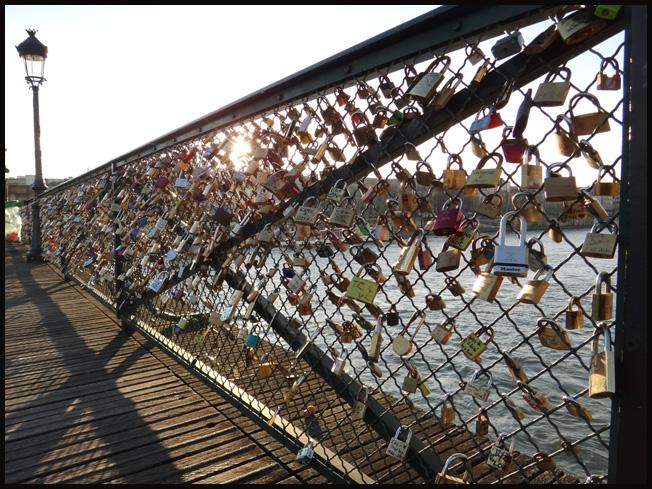 paris pont des arts ponts des amoureux cadenas 2011