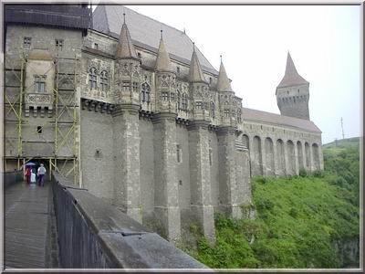 chateau hunedoara transylvanie entrée