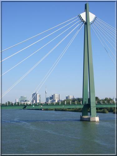 Wien Dunakilitil pont danube