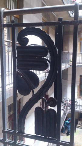 budapest dessin grille escalier