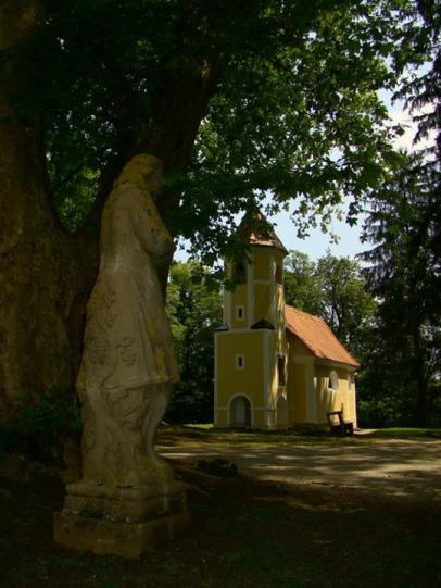 mokrice chapelle chateau slovenie