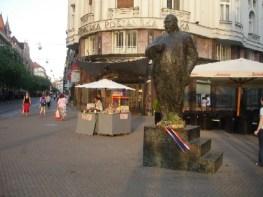 zagreb statue