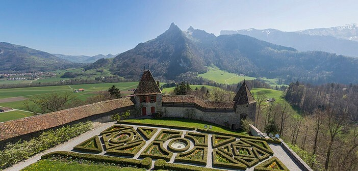 Gruyere chateau suisse