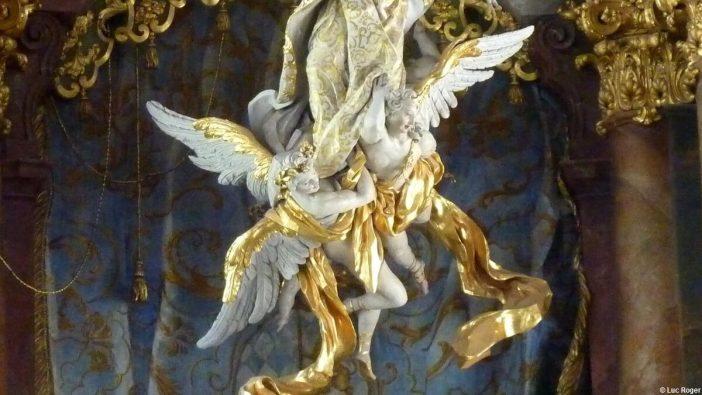 Anges accompagnant l'Assomption de la Vierge
