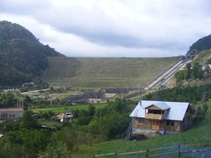 Barrage du lac Siriu barajul siriu mare