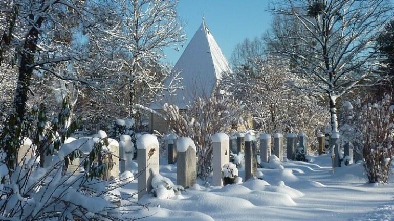 Muenchen Westfriedhof cimetiere sous la neige