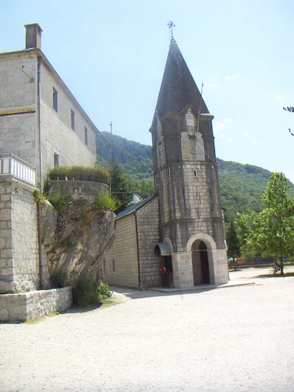 Eglise à Ostrog Montenegro