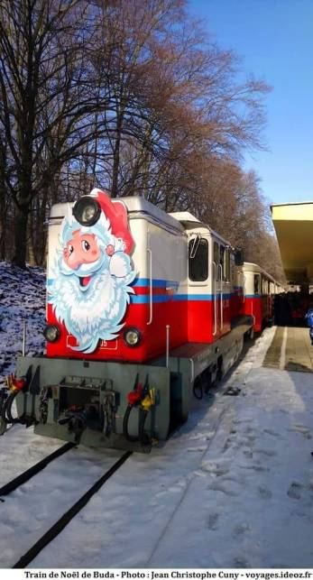 Train de noel à crémaillère vers les collines de Buda