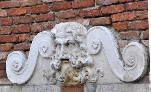Venise statue sur un mur