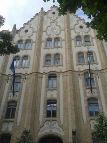 facade art nouveau budapest