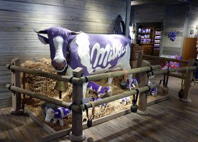 munich Schrannenhalle Viktualienmarkt vache milka