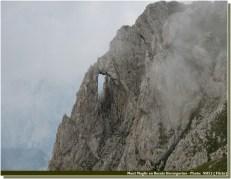 rocher percé Maglic Bosnie Herzégovine