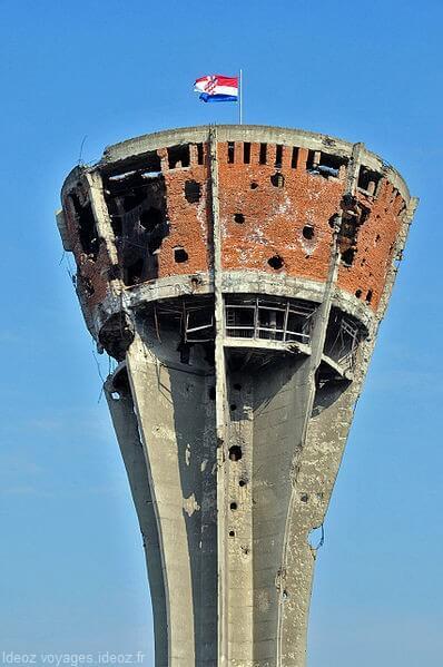 vukovar chateau d'eau symbole de la guerre de Croatie