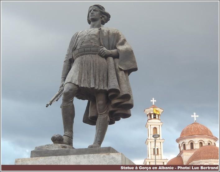 Gorça statue