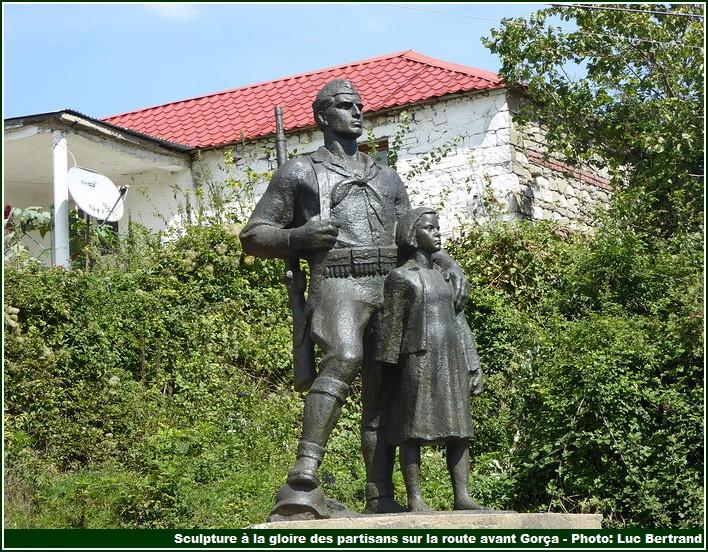 statue des partisans Gorça