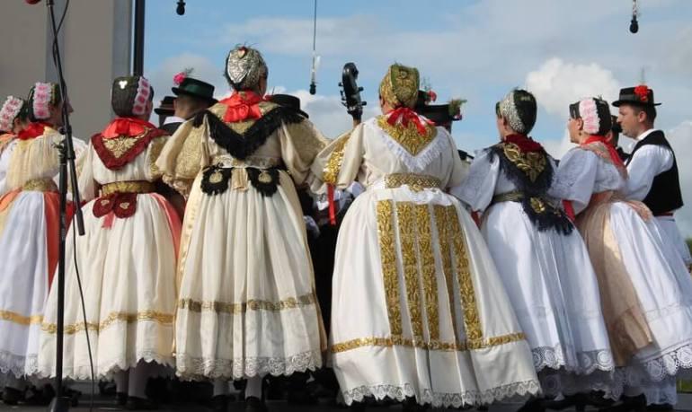 Folklore danses de la Saint Etienne à Slavonski Brod