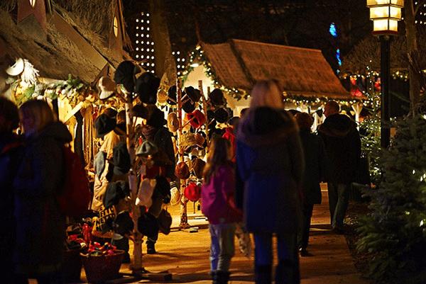 Copenhague parc tivoli stands marché de noel