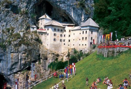 Chateau Predjamski grad