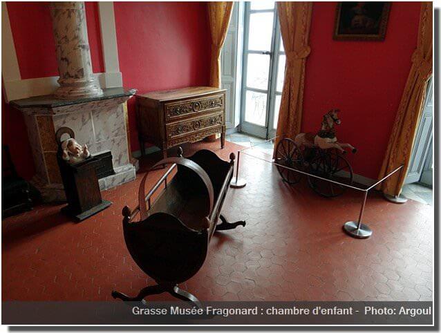 Grasse Musée Fragonard Berceau chambre enfant