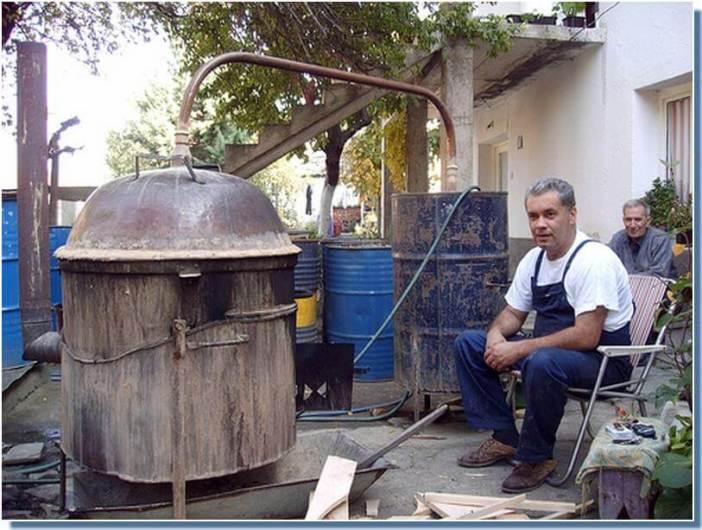 fabriquer le rakija dans les Balkans