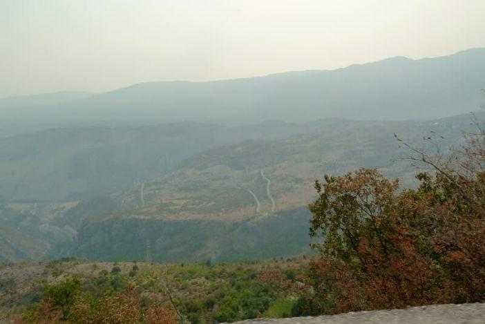 Plaine de Bjelopavlici près du monastère d'Ostrog
