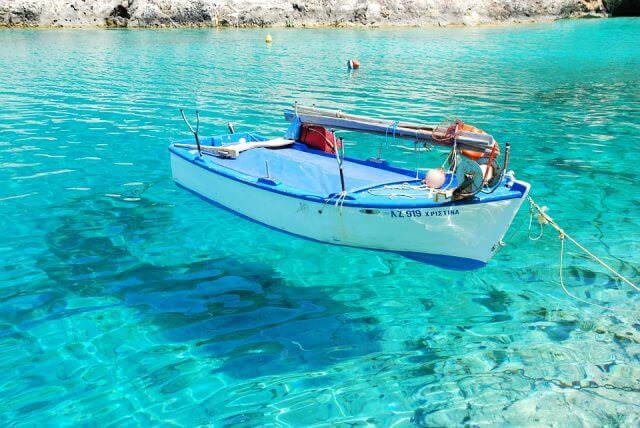 barque en mediterranee