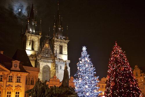 Prague à Noel Eglise du Tyn sapin dans la vieille ville