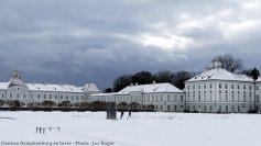 Munich marcheurs dans la neige à Nymphenburg
