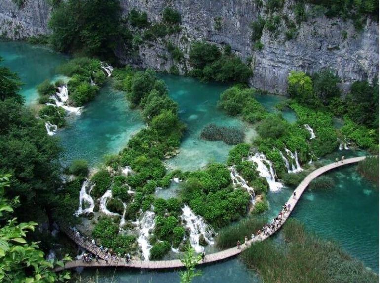 sentier des lacs inférieurs de Plitvice