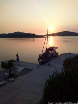 Coucher de soleil sur l'Adriatique dans les îles Kornati avec Tvrtko