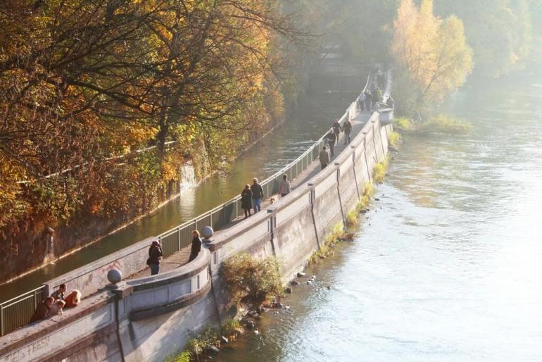 Sur les bords de l'Isar à Munich