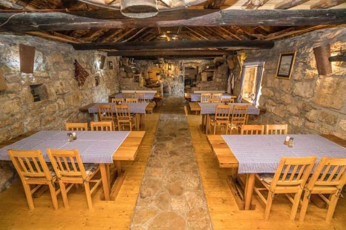 Konoba dida marka chez Duvancic à Drnis