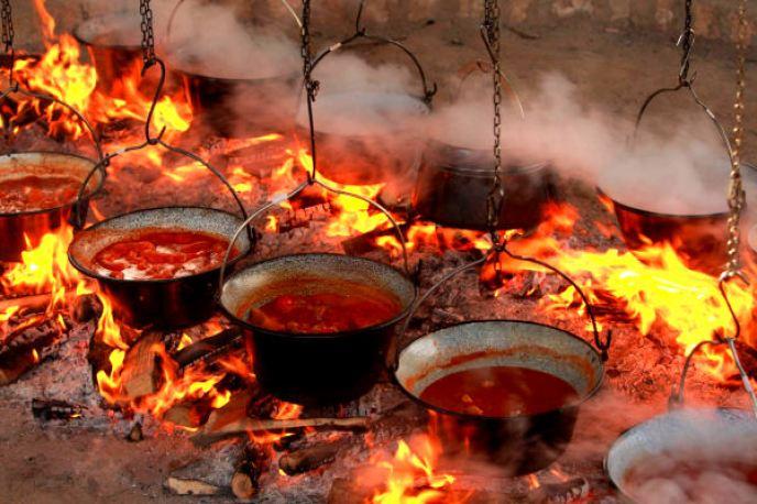 Fis Paprikas soupe de poissons au poivron de Slavonie