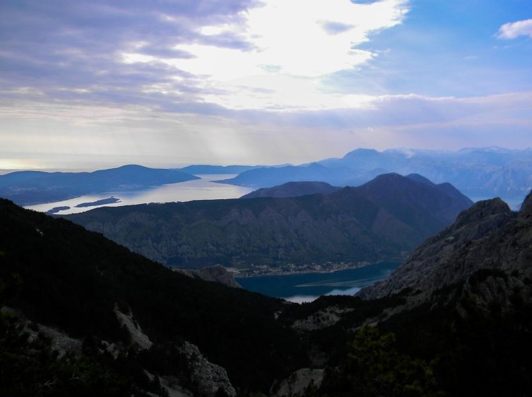 Mer et Montagne au Montenegro golfe de Kotor
