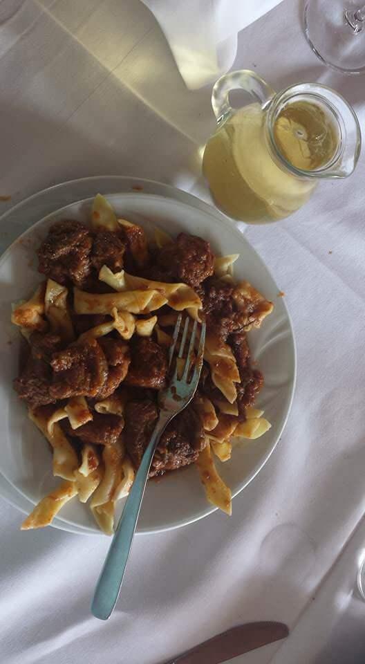 Cuisine d'Istrie à l'agrotourisme Radesic kvartin fuži divljač