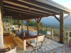 Badanj Village Rooms terrasse couverte