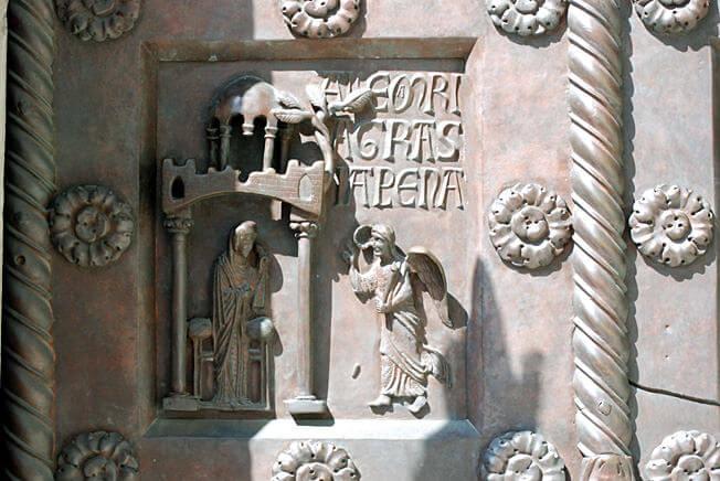 pise annonciation détail de la cathédrale - piazza de duomo
