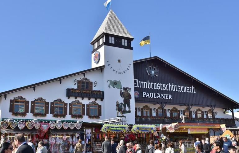 Armbrustschutzenzelt Paulaner tente des chasseurs et arbaletiers