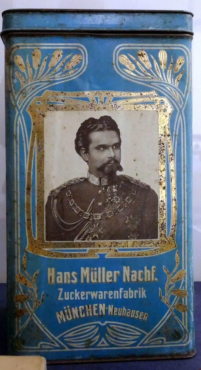 Boîte de la fabrique de produits sucrés Hans Müller vers 1910