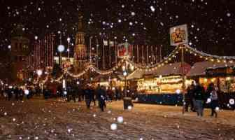 Christlkindlmarkt Nuremberg sous la neige