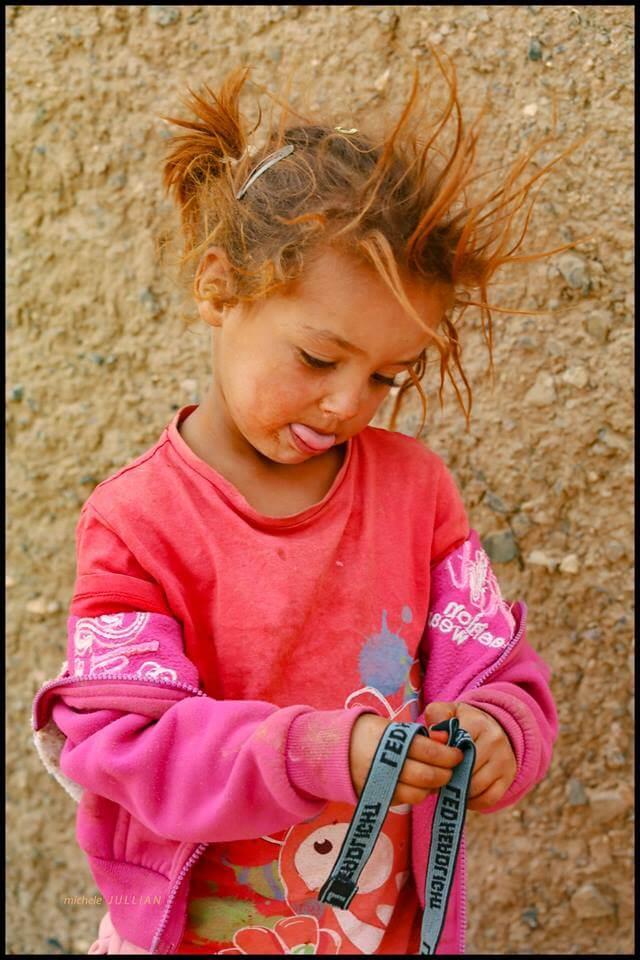 fillette berbère au Maroc