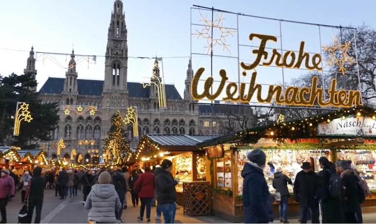 marché de noel weihnachtenmarkt de vienne sur la place de l'hotel de ville (1)