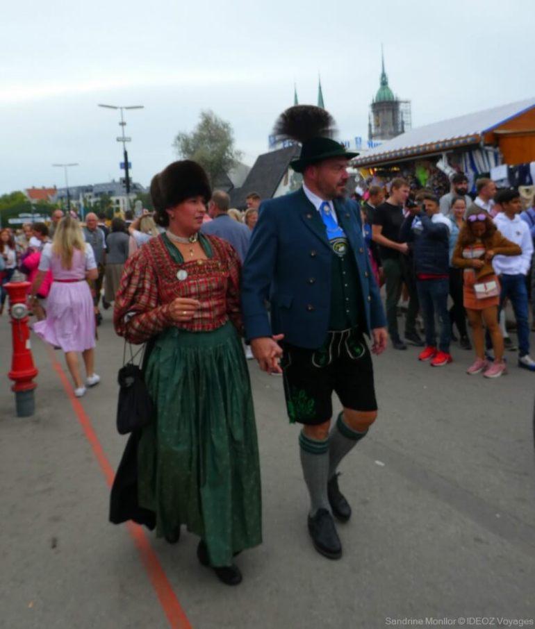 S'habiller pour l'Oktoberfest de Munich : Dirndl, Lederhose et chapeaux! 3