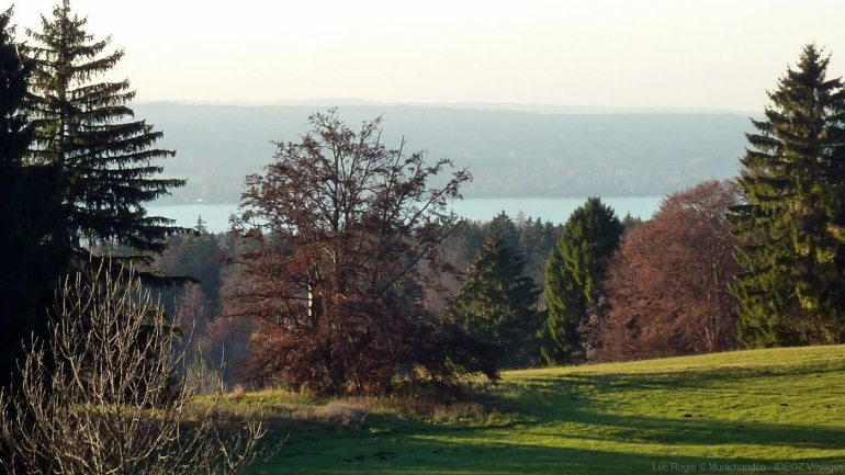 paysage d'automne au bord du lac ammersee en haute bavière